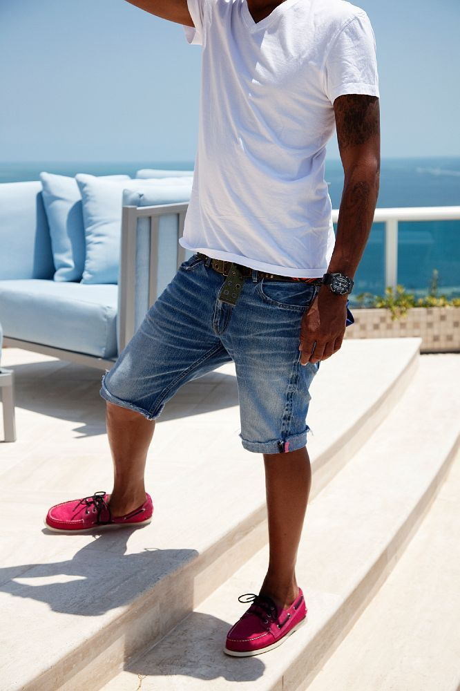 Love the new jean short trend. simple white v neck with colored shoes makes it pop!