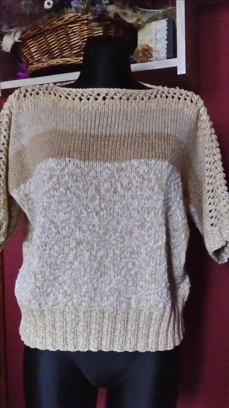 sweterek z ażurową wstawką