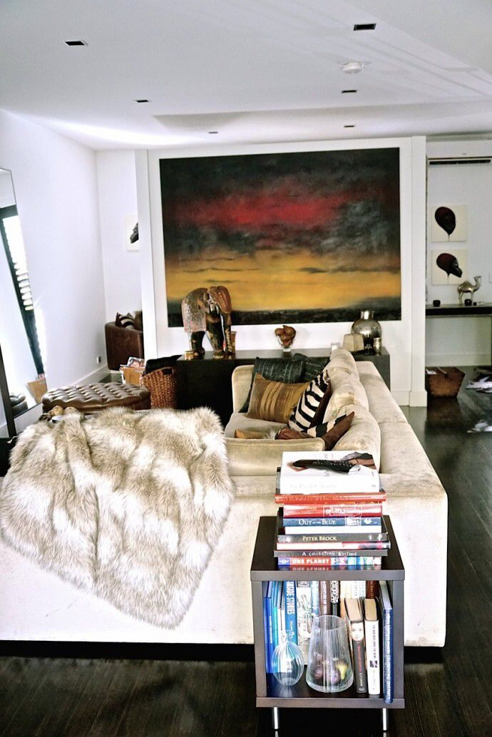 The Port Melbourne townhouse of executive search assistant Di Gillett and her husband George Donikian. Photo - Changwei Dean. Production - Martine Harte on www.engagingwomen.com.au