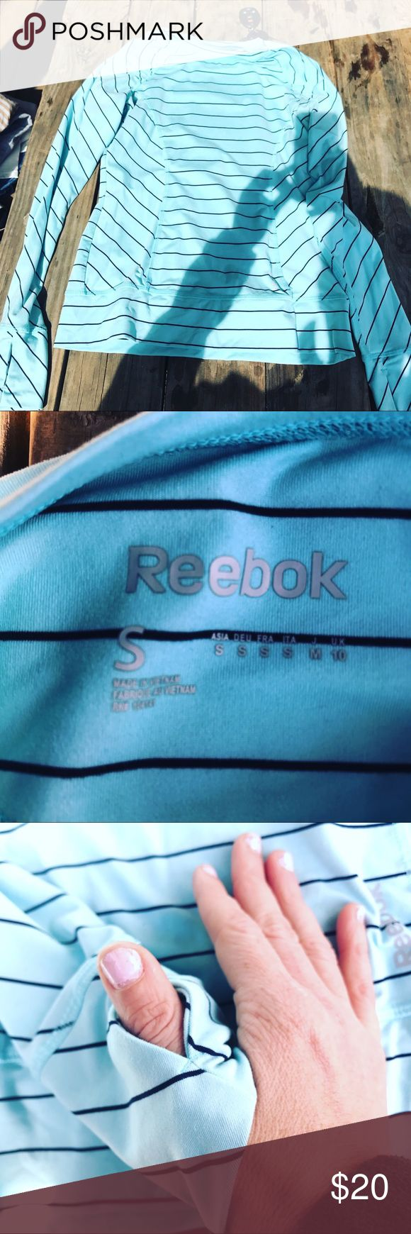 Small Reebox running shirt with hand covers Smoke and animal free home reebox Tops