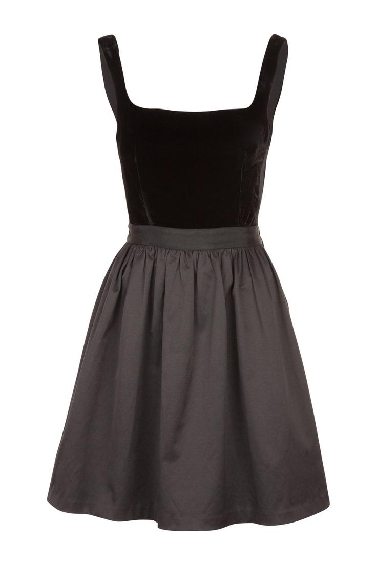 Naf Naf ♣ Aaah, si seulement je n'avais pas déjà beaucoup trop de robes noires !