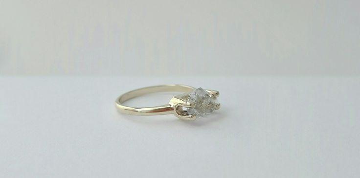 Disbau engagement ring