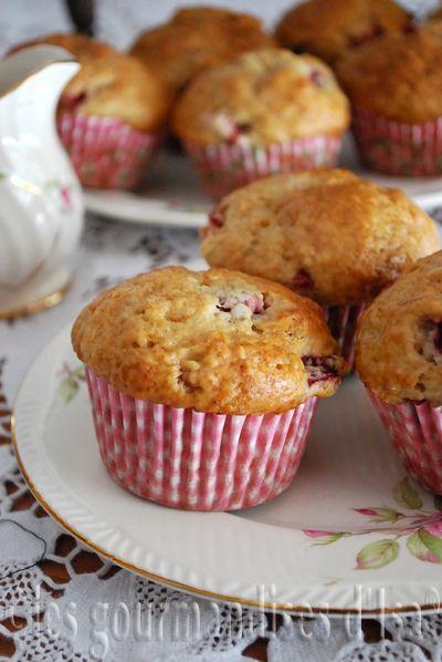 Muffins au yogourt, bananes et fraises