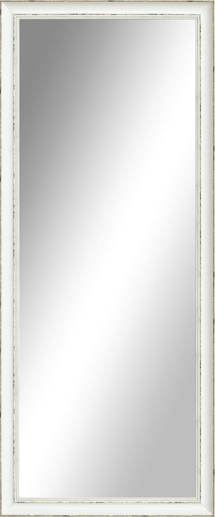 Spegel med ram.