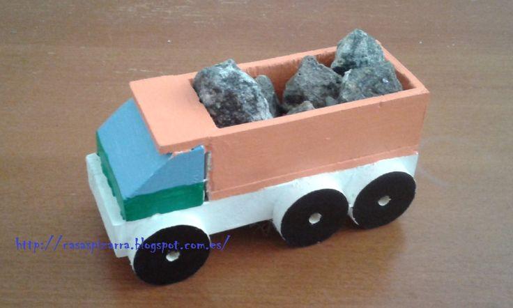 Transporte de Rocas. http://casaspizarra.blogspot.com.es/2015/04/camiones-de-madera_19.html