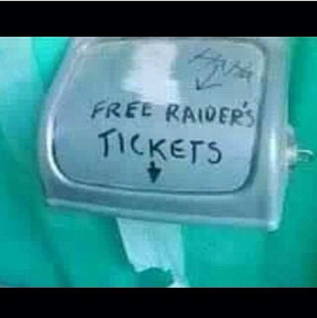 Free Raiders tickets.. Raiders suck!