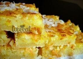 Мягкие с кокосовой стружкой и ярким солнечным ароматом лимона - такие пирожные просто украшают стол. Жалко, что недолго - аппетитная