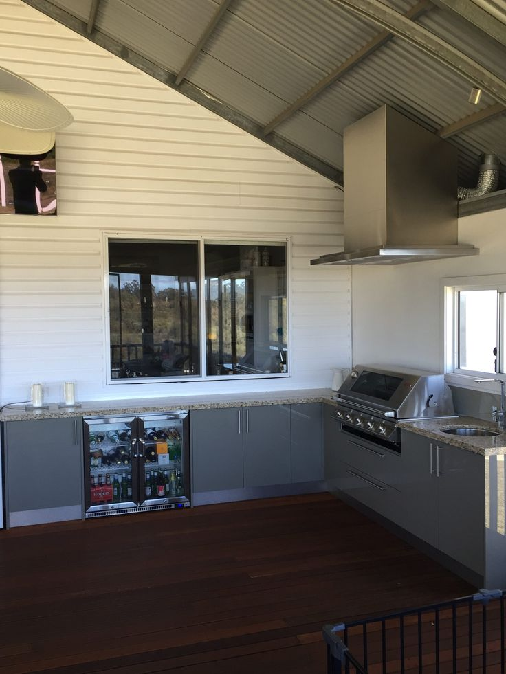 Alfresco kitchen on a farm with Romano White granite, Eleganz perspex doors and Beefeater appliances