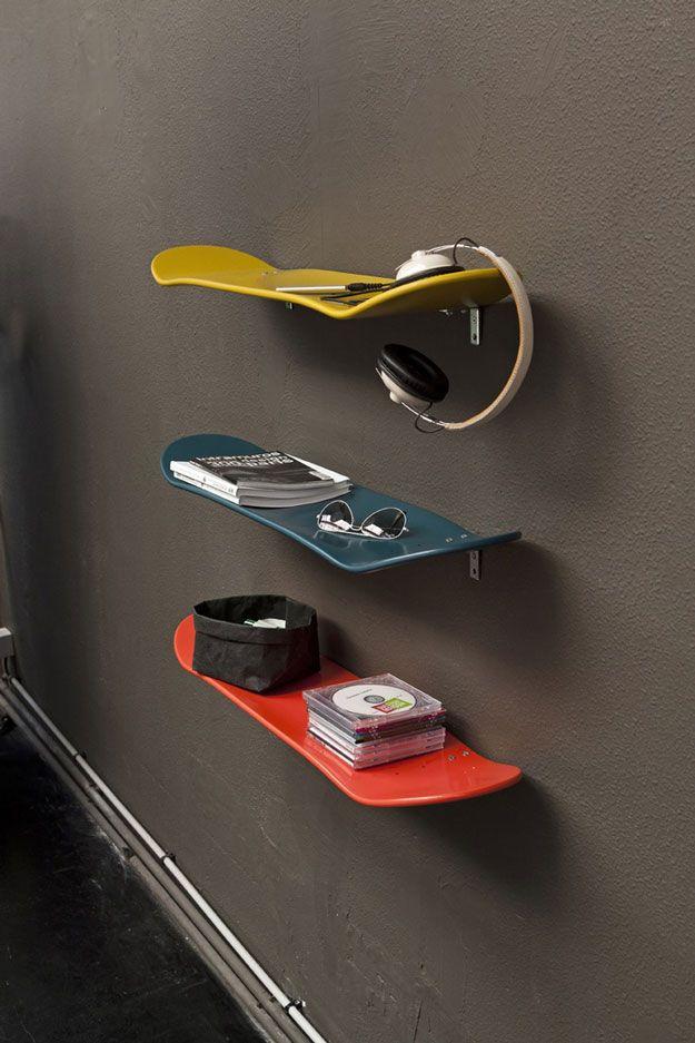 Cool and DIY Organization Ideas for Teenage Boys Bedroom | Skateboard Shelves by DIY Ready at http://diyready.com/easy-diy-teen-room-decor-ideas-for-boys/ (Loved by @dabinteriors)