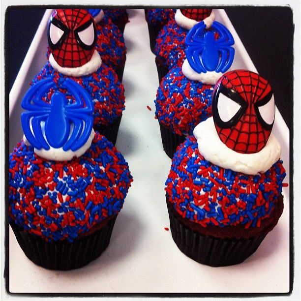 spiderman cupcakes available all weekend spiderman marvel marvelcomics food pinterest. Black Bedroom Furniture Sets. Home Design Ideas