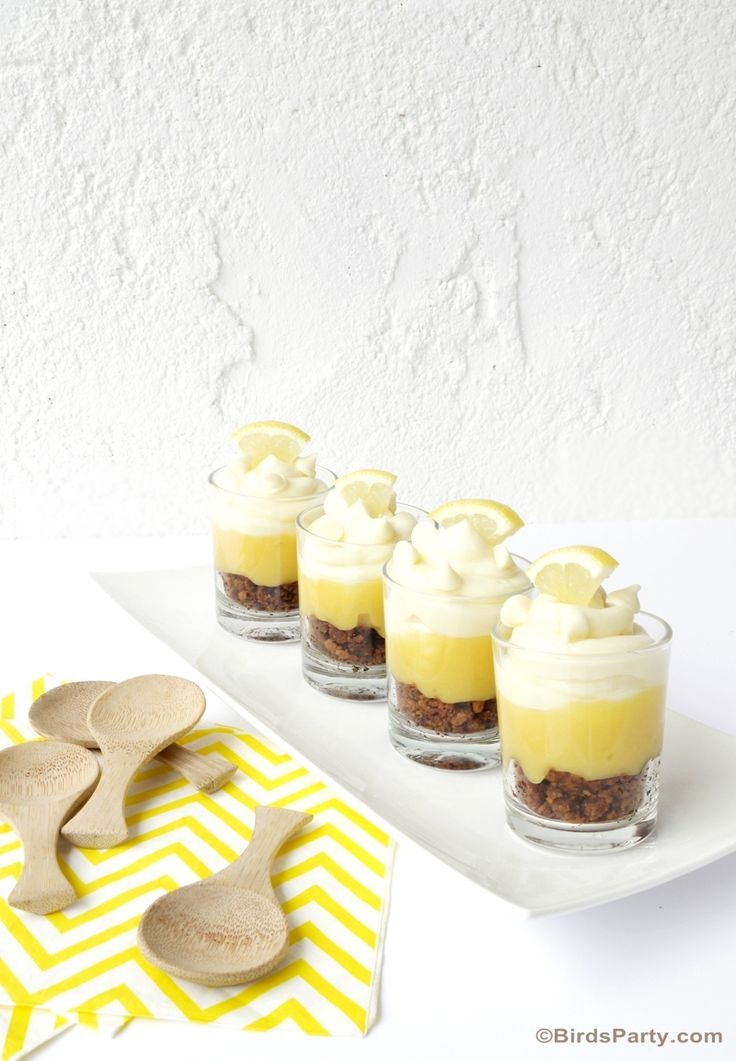 NO-BAKE White chocolate and lemon cheesecake parfaits - perfect for summer!! https://ooh.li/a89abe9