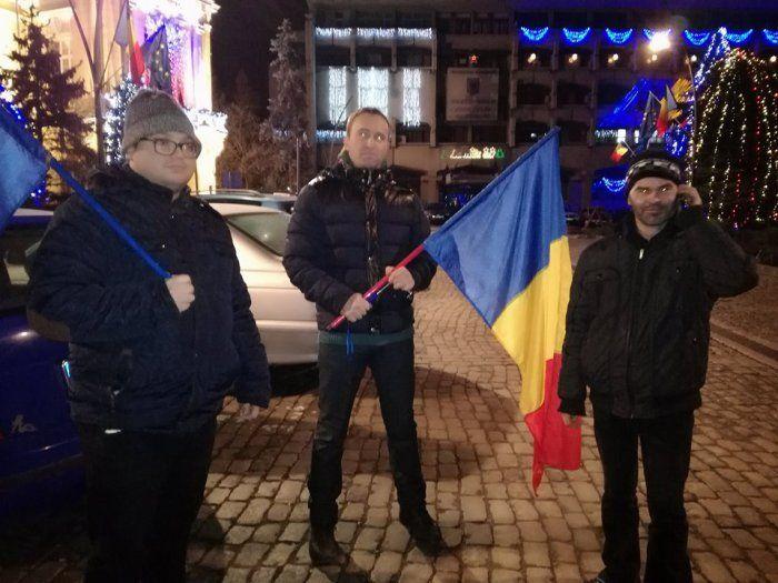 ACUM ÎN FAȚA PREFECTURII Justiția apărată la Botoșani doar de 3 oameni :http://www.informatorulbt.ro/acum-fata-prefecturii-justitia-aparata-la-botosani-doar-de-3-oameni/