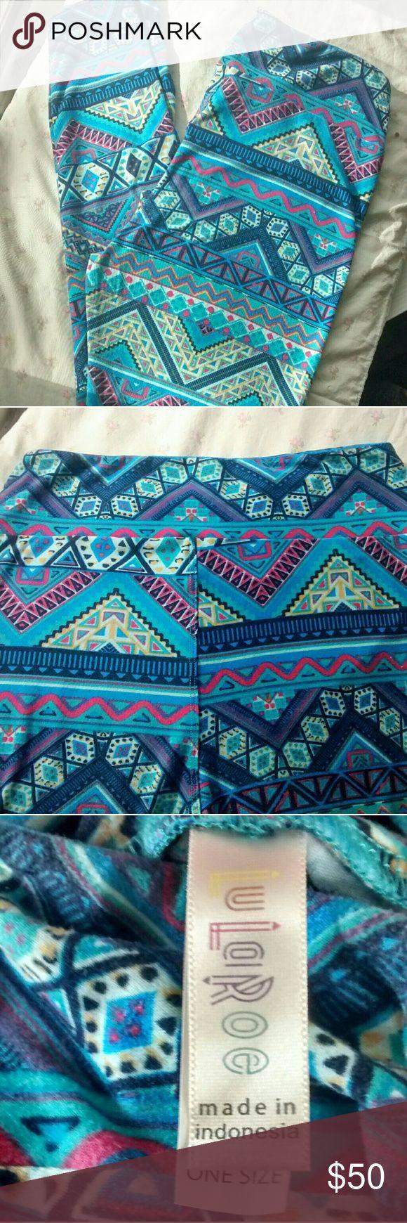 Lularoe Blue Aztec Print Leggings Beautiful blue Aztec print leggings by Lularoe. One size. Made in Indonesia. Super soft. No flaws whatsoever. LuLaRoe Pants Leggings