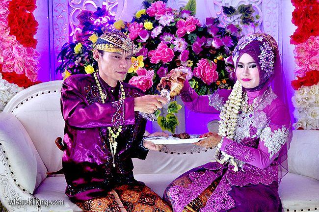 Wisnu Photographer: Foto Wedding Titin & Saep - Sesi Acara Panggih Win...