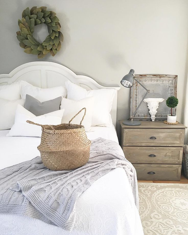 Best 1161 farmhouse images on pinterest home decor for Grey minimalist bedroom