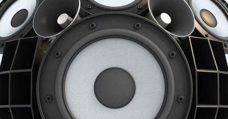 Como prender caixas de som às paredes . Nenhum sistema de home theater está completo sem som surround. Ele faz com que sua experiência com filmes e música alcancem uma dimensão completamente nova. Para melhor vivenciá-lo, você deve posicionar adequadamente suas caixas de som junto à parede, e assim poderá montar um ângulo ideal para ouvir melhor o som. Porém, se não estiverem presos ...