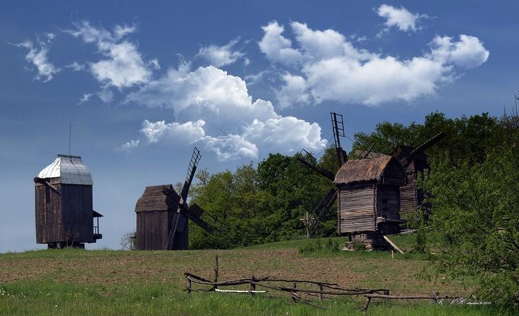 photo: Старые ветряные мельницы   photographer: AVK