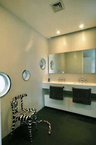 Cabo House http://vanguardaarchitects.com/what-we-do.php?sec=house&project=115 #Architecture #InteriorDesign #Bathrooms