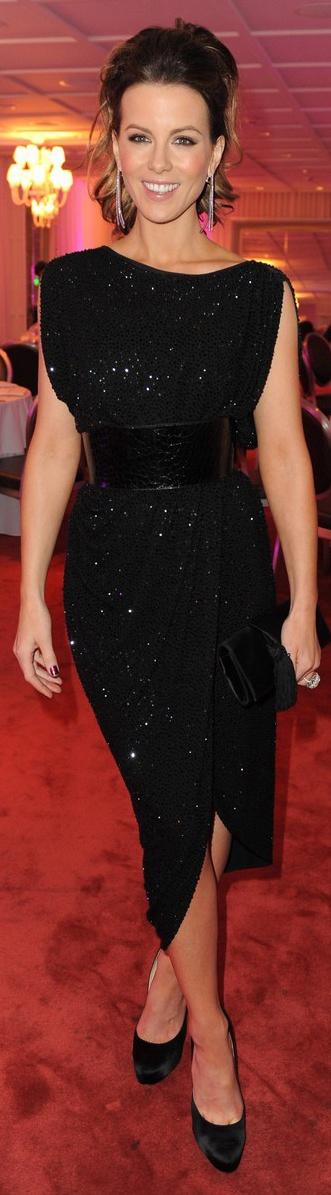 Red Carpet fashion dress. Kate Beckinsale in Michael Kors.