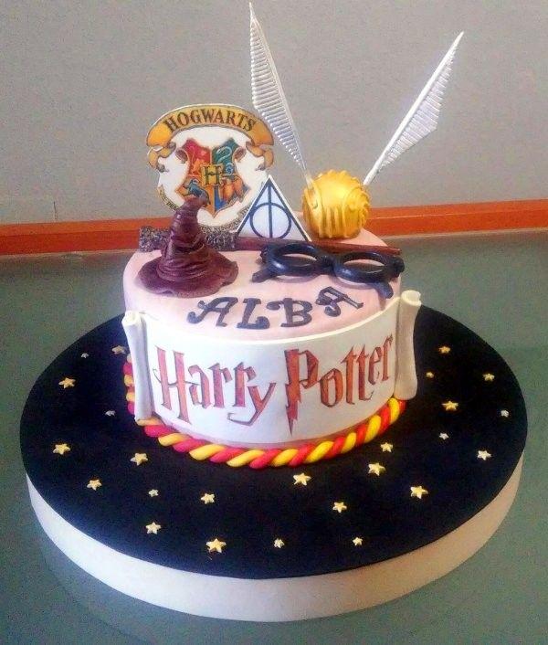 Otra Tarta Harry Potter| De Perla's | Tartas fondant personalizadas en Málaga