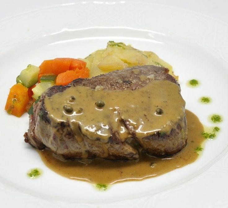 Solomillo de ternera a la plancha con crudit de verduritas y salsa de pimienta verde sugerencias - Salsa para ternera a la plancha ...
