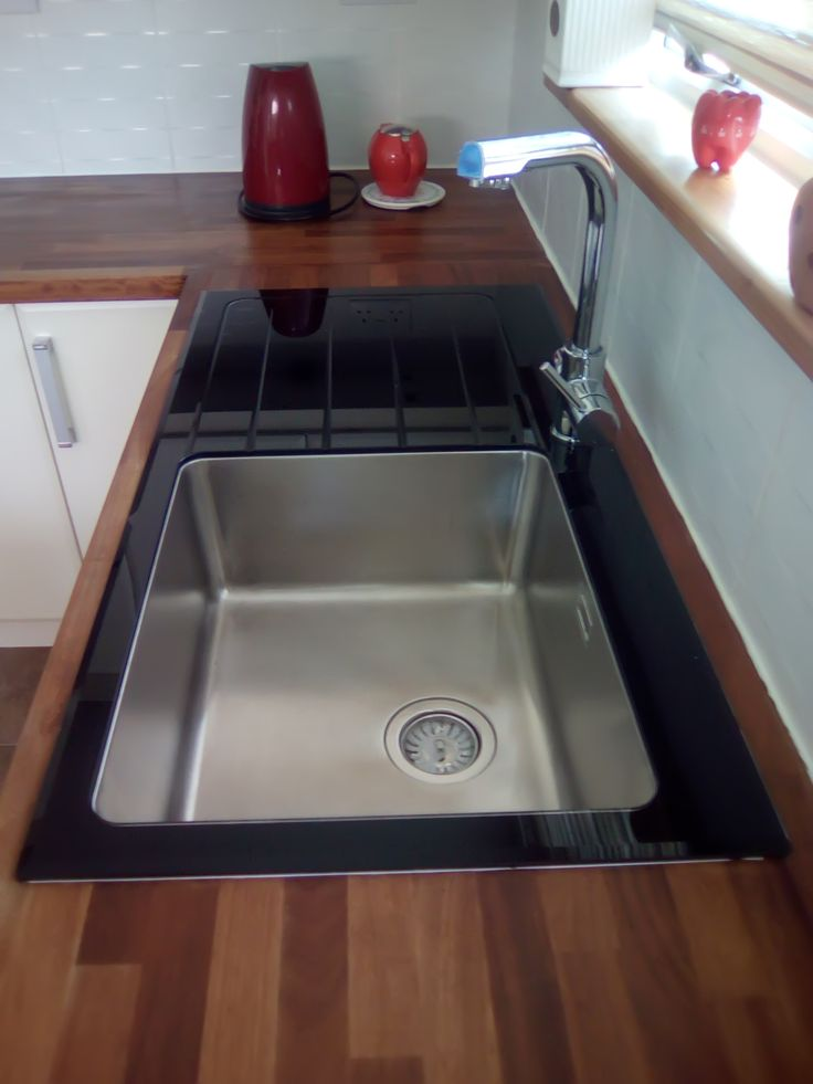 The Bluci KBV611BK Glass Kitchen sink.  Looks amazing and thanks to one of our customers for sending in the picture.  Also available from us in 1.5 bowl sink and white glass!