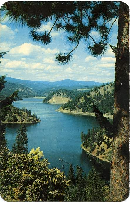 Who knew Idaho was so beautiful, but it really is.- Coeur d' alene Idaho #coeurdalene (A bit farther north is Lake Pend Oreille - definitely worth visiting!)