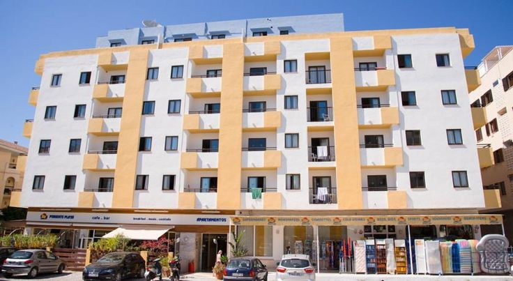 Apartamentos Poniente Playa San Antonio Poniente Playa Apartments are in San Antonio in Ibiza, 120 metres from the beach. The complex offers free Wi-Fi in public areas and an outdoor swimming pool.  All apartments have a private balcony and a TV.