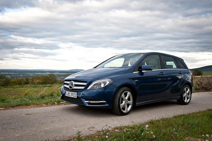 Mercedes-Benz B-Class [Fuel consumption combined: 6,7-3,6 (l/100 km) CO2 emission combined: 156-94 g/km] #mbhess #mbcars #mbbclass