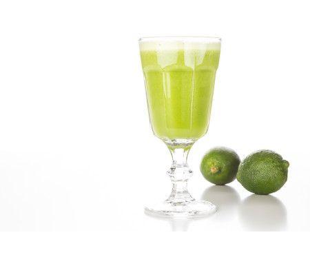 Färskpressad gurka- & limejuice med mynta