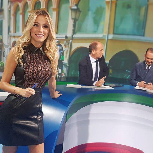 Conheça a apresentadora que deixou Balotelli de cabeça à roda