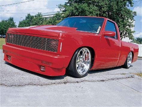 1998 Chevrolet S10 - Custom Trucks - Mini Truckin' Magazine.  DPNDEBT owned by Michael Hall of Bedford, IN.