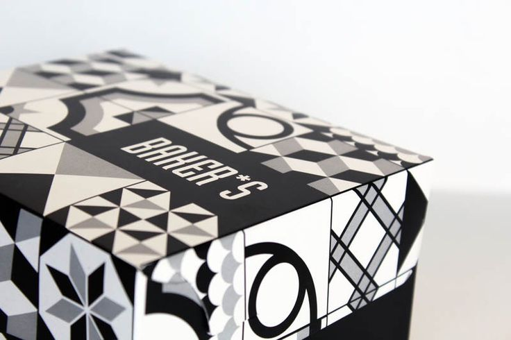 Bakery packaging. Black and white. @ oghpack.gr