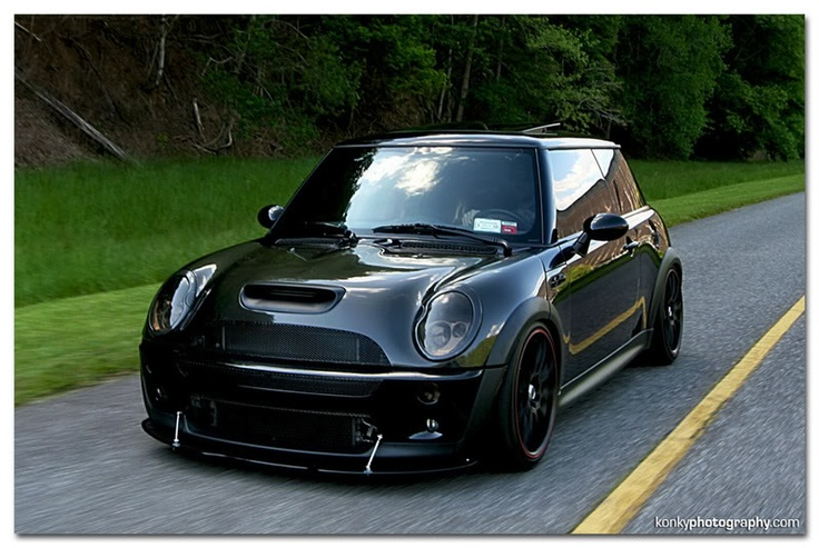 R53 BMW Mini - Blacked out with bodykit