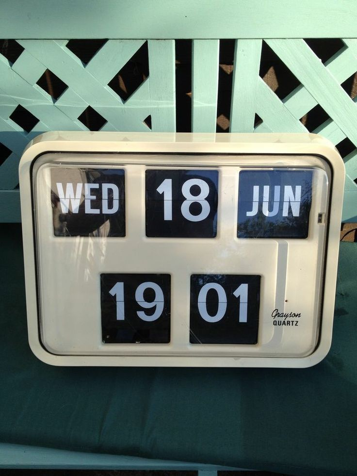 Vintage Retro Grayson Bank Post Office Digital Wall Flip Clock In Cream Colour Post Office