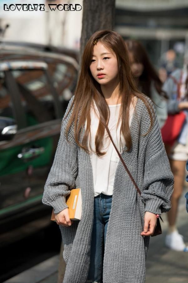 Lovelyz Baby Soul in chunky sweater