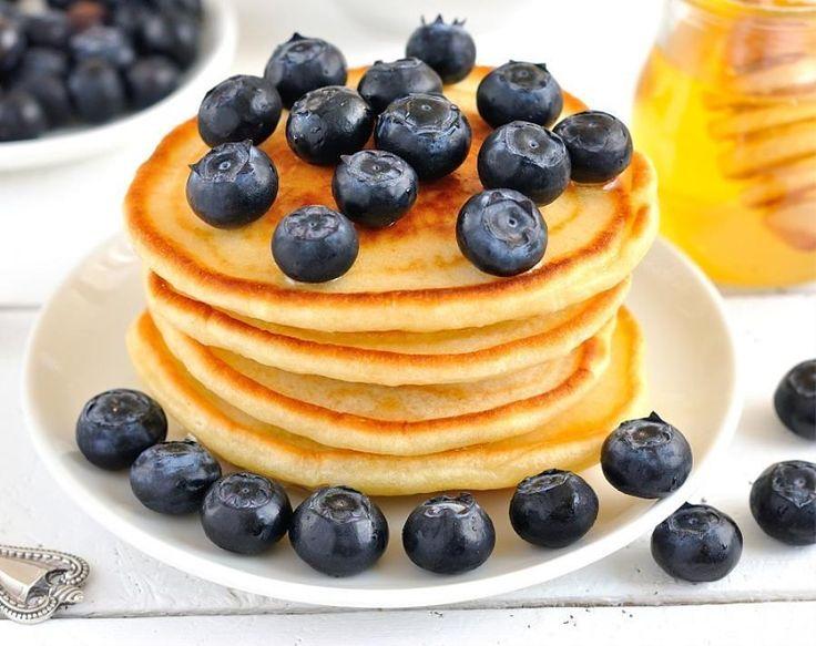 Semplicemente...pancake! La ricetta è su saporie.com...felice giornata! #buongiorno #buonagiornata #morning #ilbuongiornosivededalmattino #breakfast #breakfasttime #colazione #colazionetime #onthetable #picoftheday #photofood #food #foodporn #brioche #cappuccino #chiacchiereacolazione by saporie