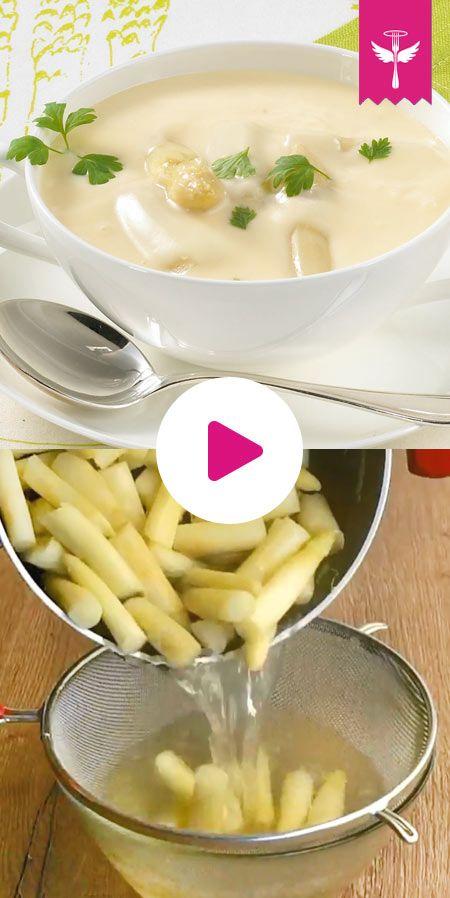 #Spargelcremesuppe ist in der #Spargelzeit ein gern gekochtes Rezept. Mit etwas frischem Spargel, Sahne und Mehl lässt sich in kurzer Kochzeit ein cremige Spargelsuppe zubereiten.