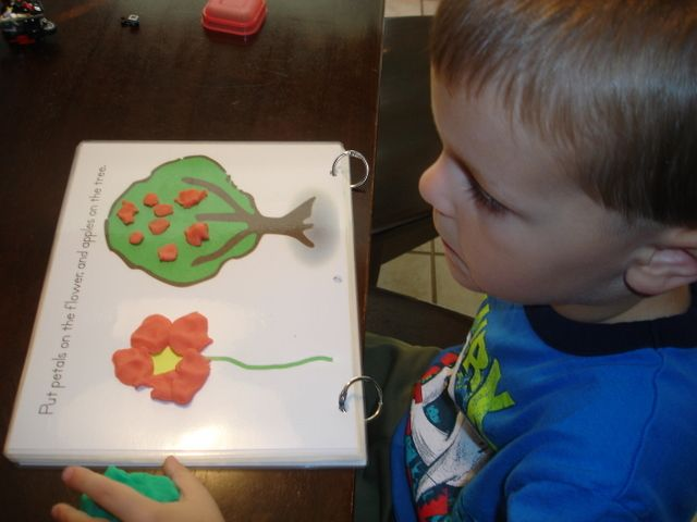 Playdough mats = all kinds of awesome. From Planet of the Apels blog :) Worth a visit!: Playdough Hair, Playdoh Mats, Planets, Bags Swap, Kids Stuff, Printable Playdough, Business Bags, Playdoh Activities, Playdoh Ideas