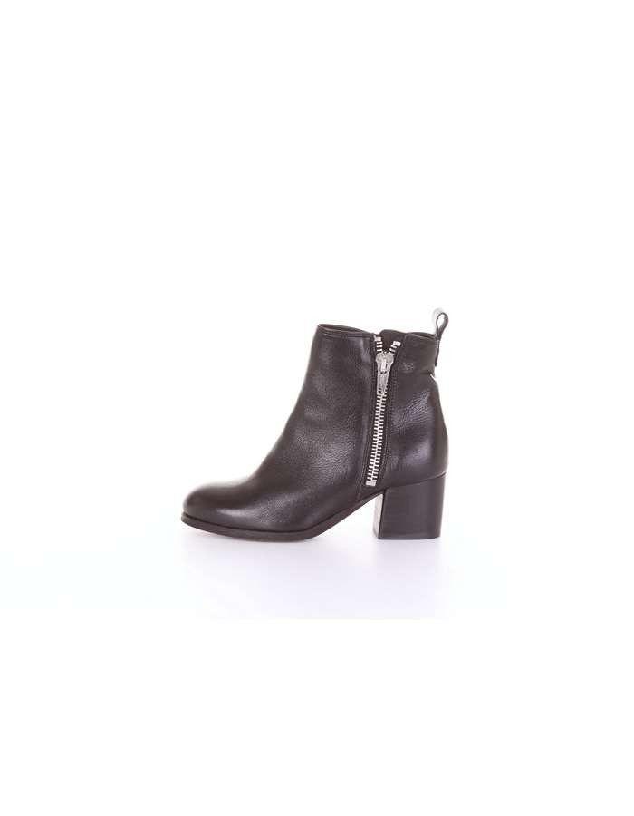 77dc2d858acf6 Fabbrica Dei Colli woman s black ankle boot