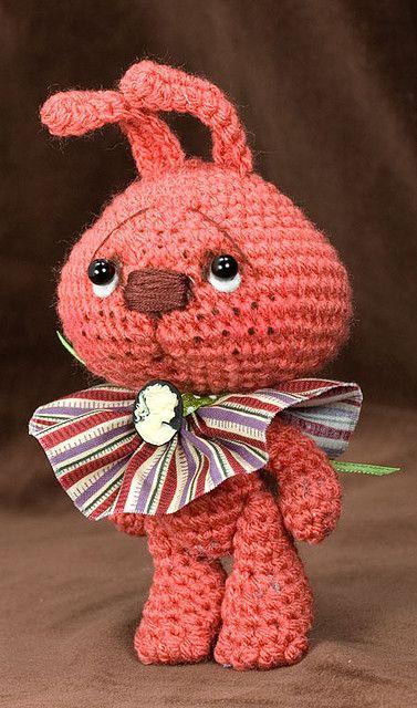 ~Freckles~ a Jointed amigurumi Bunny Rabbit ❀Teresa Restegui http://www.pinterest.com/teretegui/ ❀