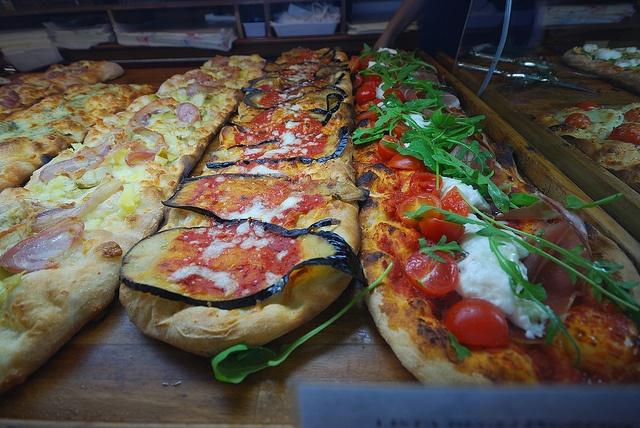 Pizza Romana by radek.sedlacik, via Flickr