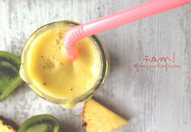 Sexy smoothie de piña + kiwi.  #freeqiporlasfrutas   https://www.facebook.com/freeqiviajaliviano?fref=photo