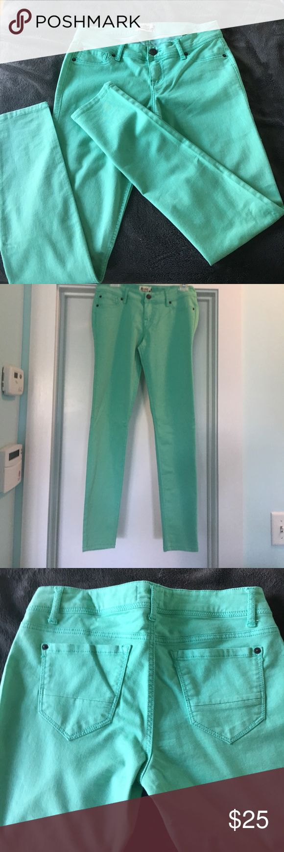 Teal stretch pants! Never been worn! Stretch teal pants. Great shape as I never had a chance to wear them! From a local boutique in Wilmington NC. Pants Skinny