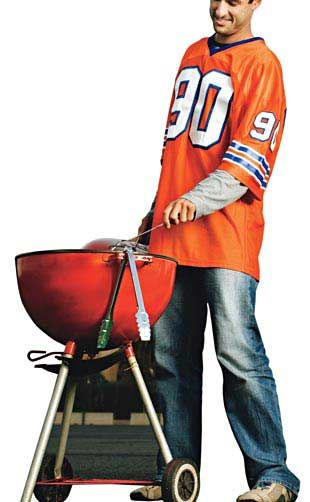 Throw a Tailgating Party   http://www.rachaelraymag.com/easy-party-ideas/party-tips-ideas/throw-a-tailgating-party