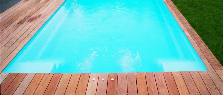Les 25 meilleures id es de la cat gorie piscine coque for Liner piscine 3 60 x 0 90