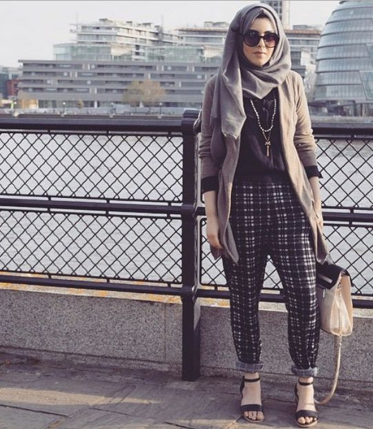Pinned via Nuriyah O. Martinez | Street style hijab fashion