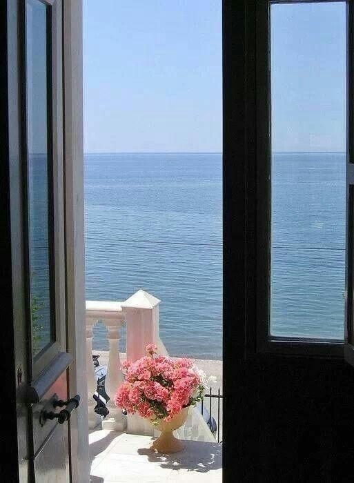 Chance & Apartment 34 Inspiration : Greece