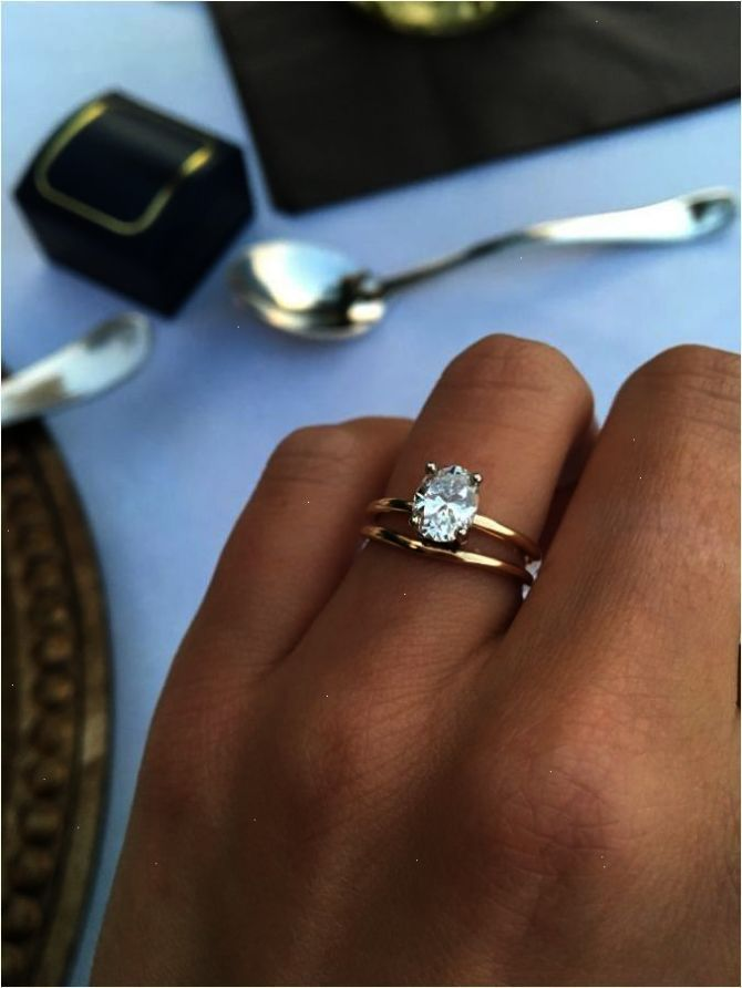 Simple And Elegant Engagement Ring That Perfect In Your Finger With Images Elegant Engagement Rings Designer Engagement Rings Classic Engagement Rings