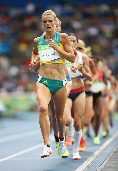 Eloise Wellings of Australia competes in the Women's 10000 metres final on Day 7…